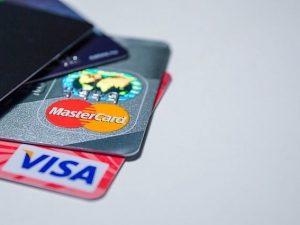 Смолянина подозревают в краже 10 тысяч рублей с банковской карты
