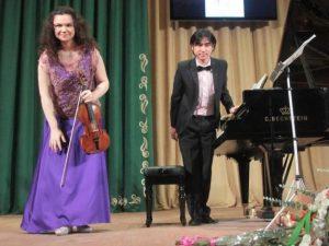 В Смоленской филармонии выступил российско-японский дуэт
