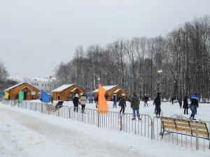 Центральный каток в Смоленске начали подготавливать к открытию