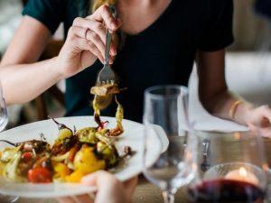 Сотрудника ресторана подозревают в краже у работодателя