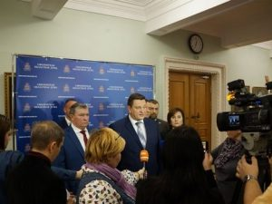 В Смоленской облдуме предлагают отменить увеличение зарплат депутатам и губернатору