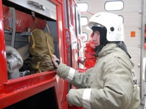 Помещение под офисы горело на Витебском шоссе в Смоленске