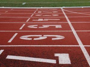 Всероссийская федерация легкой атлетики прокомментировала скандал на соревнованиях в Смоленске