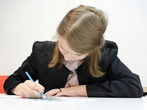Школьники Смоленска выходят на учебу после карантина