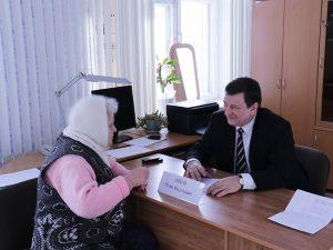Игорь Ляхов провёл приём граждан в Сафоновском районе