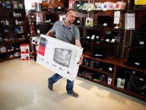 Пьяный смолянин пытался украсть из магазина телевизор