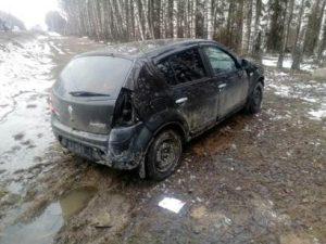 На трассе под Смоленском столкнулись две автоледи на «Рено»