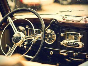 Автомобиль-раритет 1965 года выпуска нашли в Сафоновском районе
