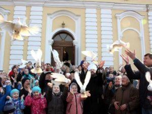 Храм на Соборном холме возродили в Смоленске