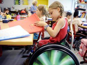 Смоляне могут выразить свое мнение по поводу образования детей с ограниченными возможностями