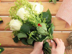 Доставка цветов Тольятти от Lotos-fl.ru: выбираем правильный букет