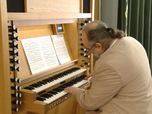 Представление органа в Смоленске пользуется бешеной популярностью