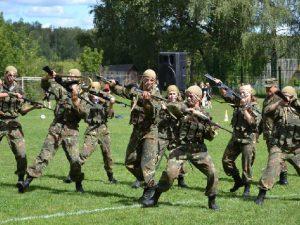Глава Смоленской области пообещал помочь юным спортсменам-патриотам