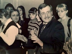 Из моряков в журналисты или о жизни Владимира Мезенцева