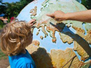 С 12 июня изменится порядок выезда детей за границу