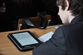 Перейдут ли учебники с бумаги на экран?
