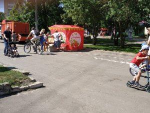 Жители Смоленска возмутились появлением ларька посреди велодорожки