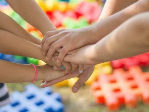 В Смоленской области стартовал всероссийский конкурс детского рисунка «Разноцветные капли»