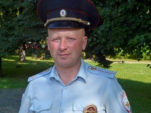 Смоленский полицейский спас тонувшего мужчину