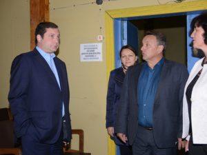 Алексей Островский оценил капитальный ремонт в сельском Доме культуры под Смоленском
