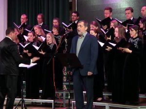 В Смоленске с необычным концертом выступил сын Владимира Высоцкого