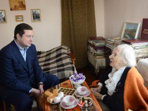 Алексей Островский побывал в гостях у Почетного гражданина Смоленска Нины Сергеевны Чаевской