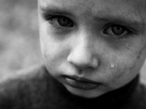 Под Смоленском многодетная мать систематически избивала детей