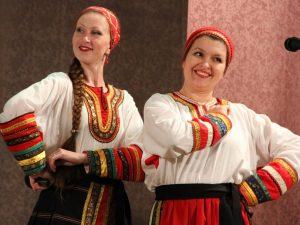 Российско-белорусский фестиваль народного творчества «Две Руси – две сестры» прошел в Хиславичах