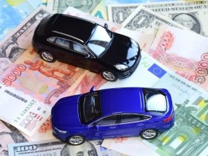 Смолянин погасил долг по алиментам, подарив сыну автомобиль