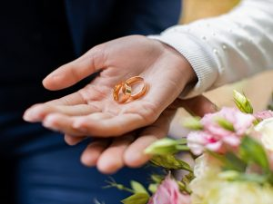 О свадьбе мечтай, да копеечку считай