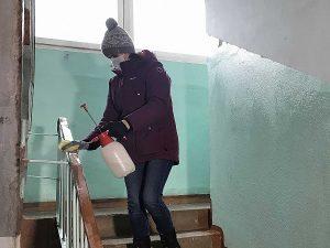 В Смоленской области всем управляющим компаниям рекомендовали дезинфицировать подъезды