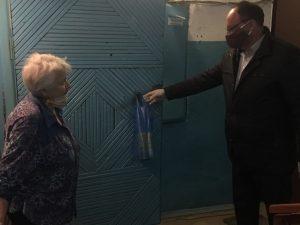 Дорогобужским пенсионерам доставляют продукты и необходимые лекарства
