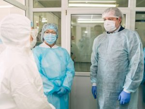 Ограничения из-за коронавируса продлят в Смоленской области – Островский