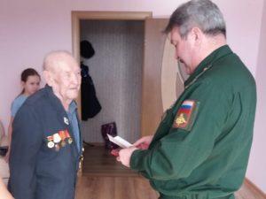 Заслуженному ветерану Духовщины вручили медаль
