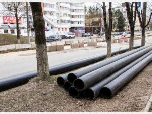 Подземные коммуникации укладывают на улице Николаева в Смоленске