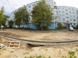 Дворы в Смоленске начали благоустраивать