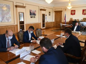 В областной администрации обсудили реализацию проекта «Безопасные и качественные дороги»