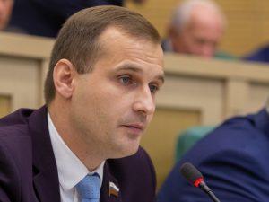Сергей Леонов выступил в защиту безработных граждан в Совете Федерации