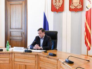 Губернатор критически оценил качество исполнения госконтрактов на Смоленщине