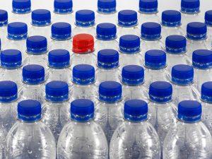 Ярцевчанин незаконно изготавливал и продавал спиртосодержащую продукцию