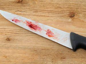 «Избивал и оскорблял». Смолянка взялась за нож и отомстила своему сожителю