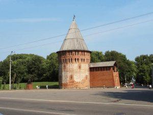 В Смоленске иллюстрируют Громовую башню