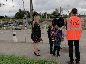 На станции в Красном Бору транспортная полиция провела акцию «Береги жизнь!»
