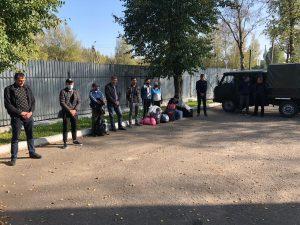В Смоленске на улице 1-ой Каштановой обнаружен незаконно установленный шлагбаум