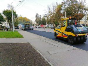 Несколько тротуаров приводят в порядок в Смоленске