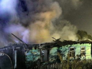 В Смоленске девушка спасла мужчину из горящего дома