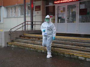 Волонтёры помогают доставлять бесплатные лекарства больным коронавирусом