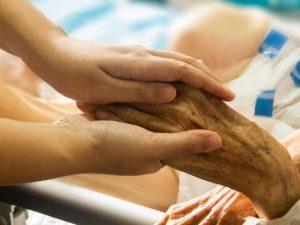 Еще один пациент с коронавирусом скончался на Смоленщине