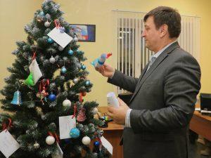 Игорь Ляхов присоединился к благотворительной акции «Ёлка желаний»