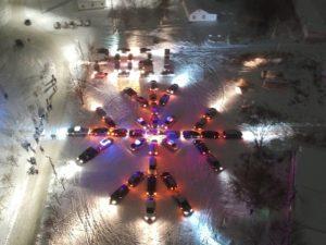 В Вязьме полиция и автолюбители провели праздничный флешмоб